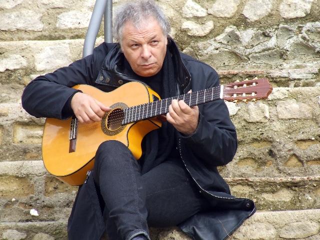 Enzo Gragnaniello domani sera live al Dejavù di Pozzuoli