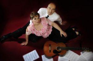 Read more about the article Claudio e Diana difendono Napoli con la musica
